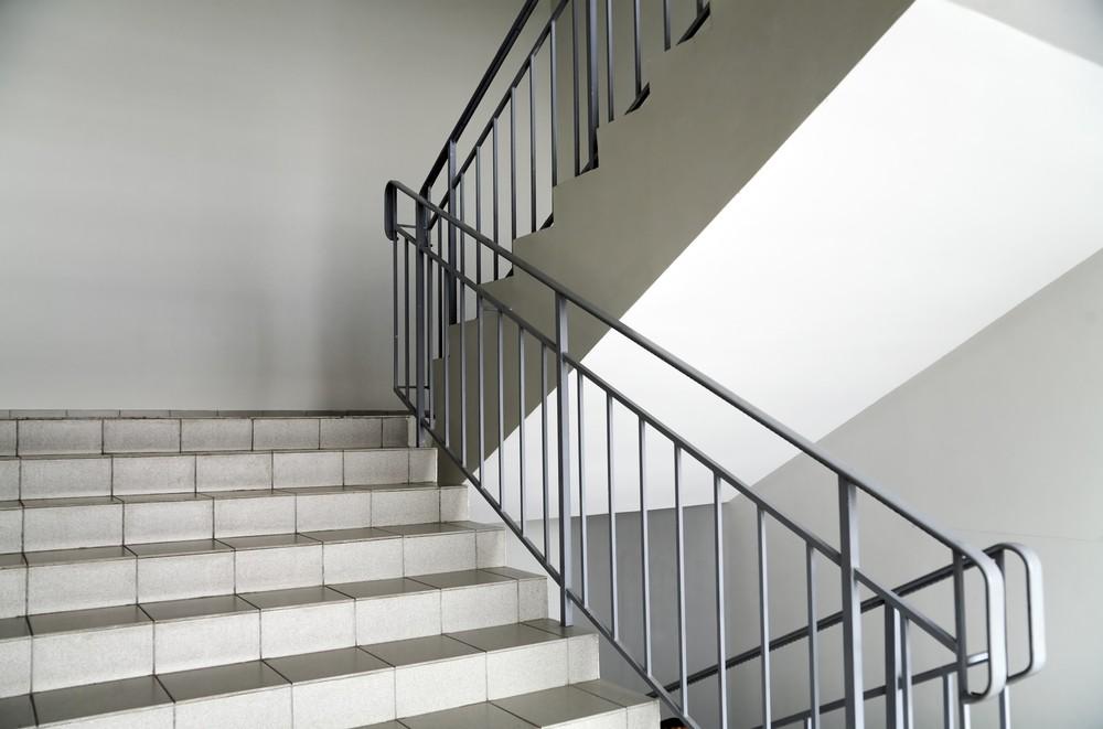 מעקות ברזל לבניין וחדרי מדרגות